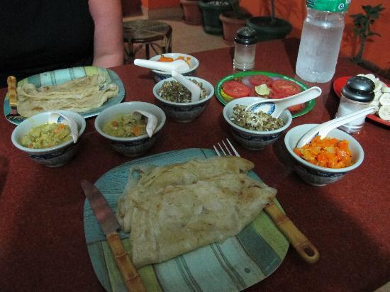 ซาจโฮม: Dinner at Saj