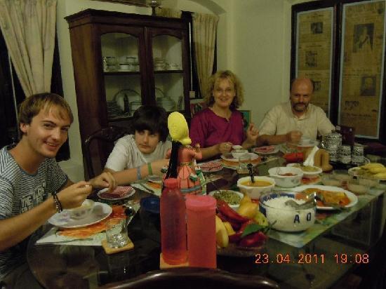 The Bungalow Heritage Homestay : Ein leckeres richtig indisches Kerala - Frühstück