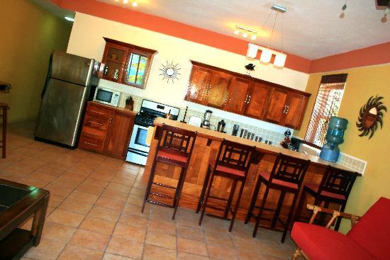 Seaside Villas Condos : Fully Appointed Kitchen and Breakfast Bar