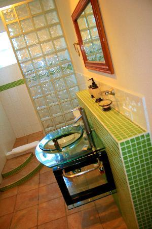 Seaside Villas Condos: Bathroom