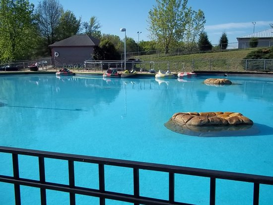 Pineville, NC: bumper boat pool