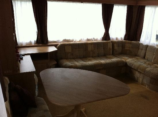 Rockley Park Holiday Park - Haven: Dirty lounge with dark stains
