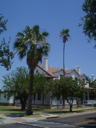 Laredo, TX: Fort MacIntosh