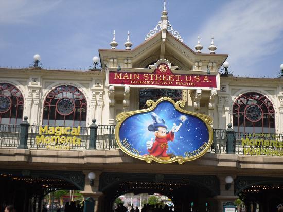 Disneyland Park: Main Street Station