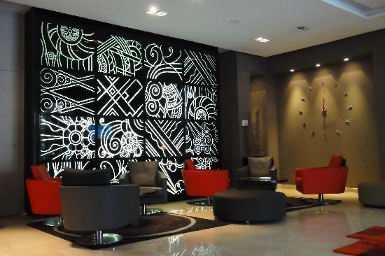 Movenpick Hotel Casablanca: The lobby