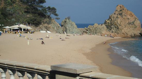 Tossa Beach Hotel : Lovely Beach