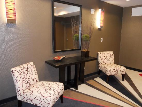 Holiday Inn Express Hotel & Suites Dallas (Galleria Area): Elevator Lobby