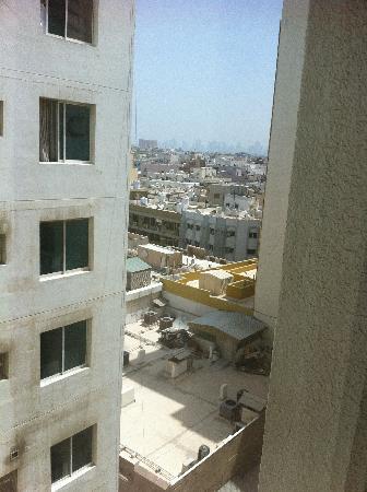 Landmark Hotel Baniyas: Vue de la chambre