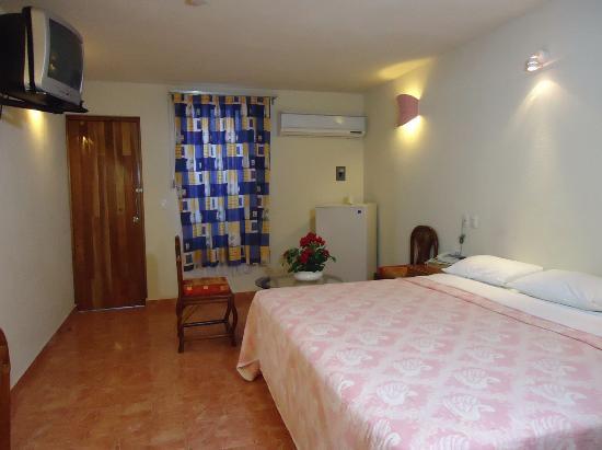 Foto de hotel carey cancun canc n cuartos hotel carey for Ver habitaciones de hoteles