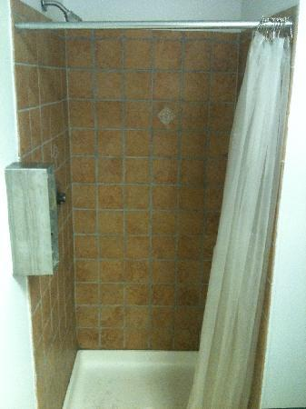 Miller's Landing: Shower stall in new shower house