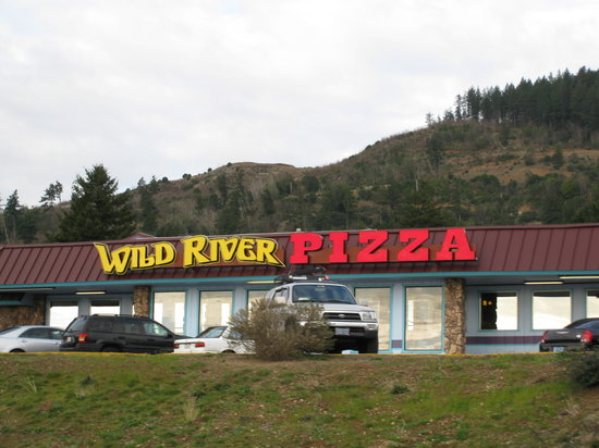 Brookings - Wild River Pizza
