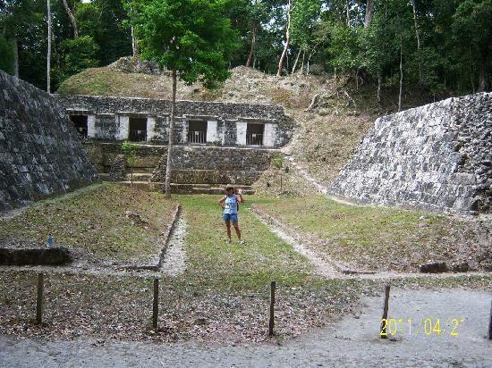 Peten, Guatemala: Juego de Pelota, Yaxhá