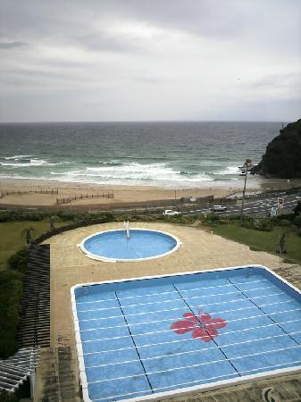 Hotel Izukyu: 部屋から眺めた、白浜