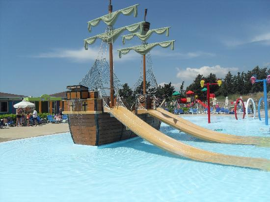 Aliathon Holiday Village: The splash pool/pirate ship pool