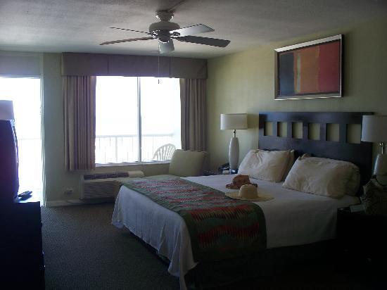 Bluegreen Daytona Seabreeze, Ascend Resort Collection: Master Bedroom