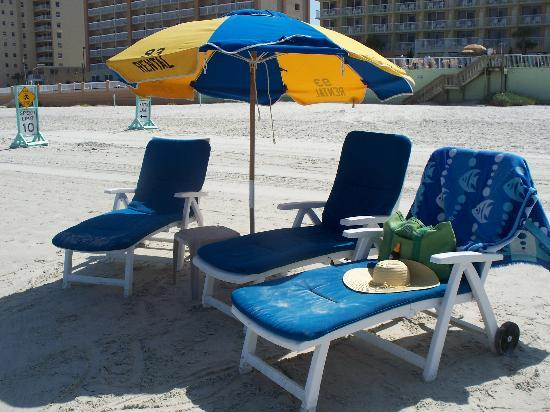 Bluegreen Daytona Seabreeze, Ascend Resort Collection: Beach Chairs