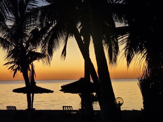 Ifaty Beach Club: Coucher de soleil depuis la terrasse de la chambre