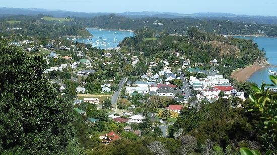 Paihia Pacific Resort Hotel: View of Russell from Flagstaff Hill