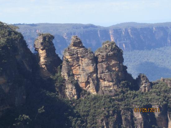 Katoomba Town Centre: The 3 Sisters