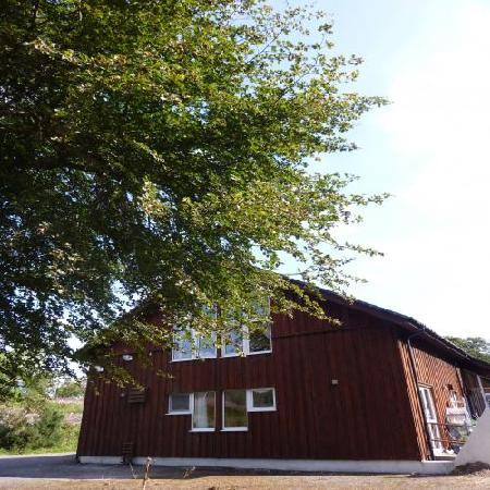 Broadford Backpackers Hostel: back hostel