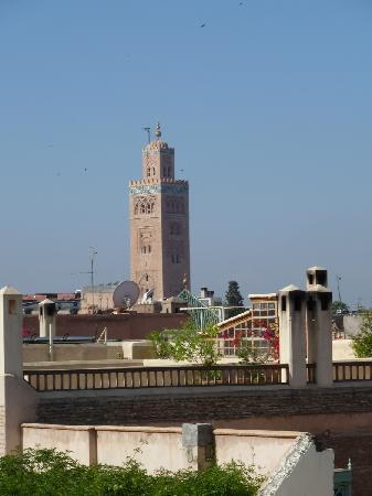 Riad lyla Marrakech : vue d'une terrasse