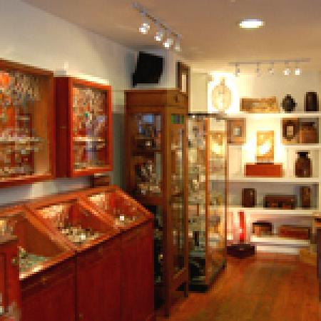 George's Street Arcade: Inside New Moon Jewellery
