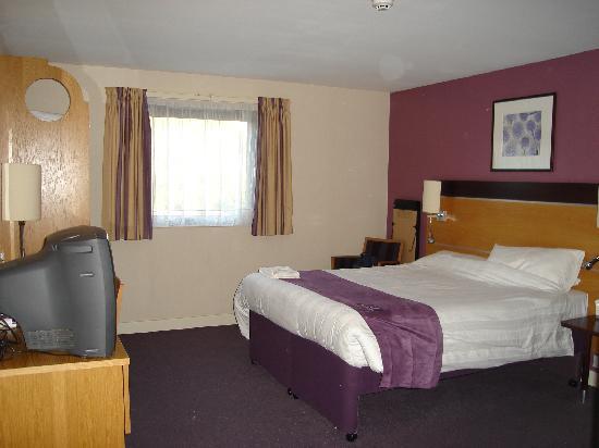 Premier Inn Portsmouth Port Solent Hotel: Bedroom