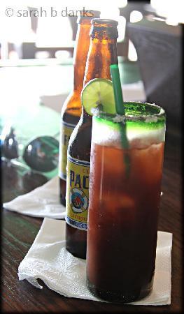 Murphy's Irish Pub: Tasty Cielo Rojo & beer