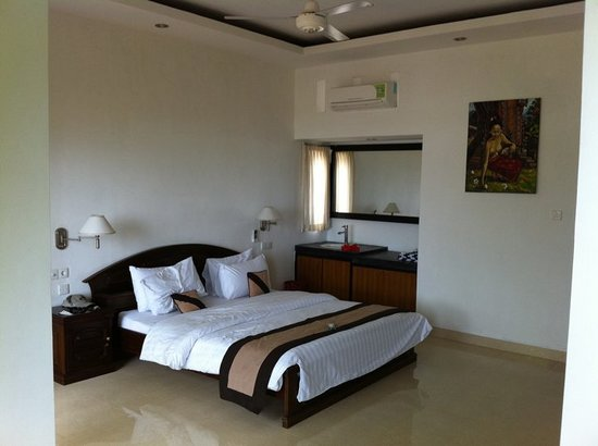 Tamarind Beach Bungalows: Inside the room