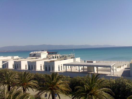 Il profumo del mare: vista dal balcone-sereno