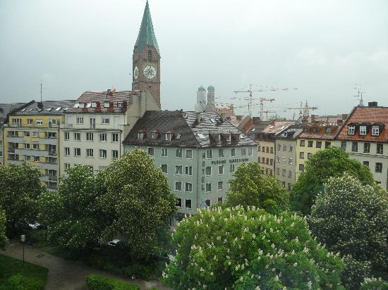Motel One Muenchen-Sendl. Tor: Room view 6th floor