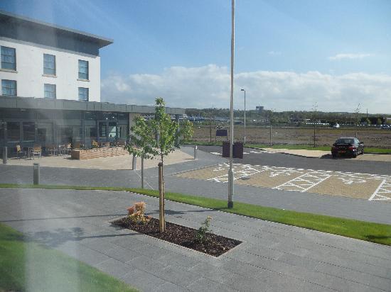 Premier Inn Edinburgh Airport (Newbridge) Hotel: View from  ground floor room