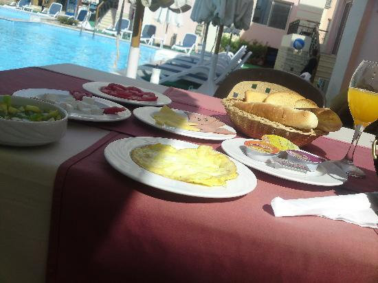 4S Hotel: Lovely breakfast - too much for one person!