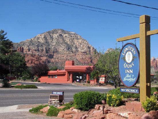 Lantern Light Inn Bed and Breakfast: thunder Mt. across the street