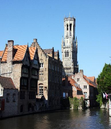 Huis Koning: Brugge by day