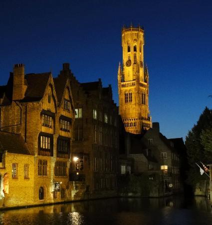 Huis Koning: Brugge by night
