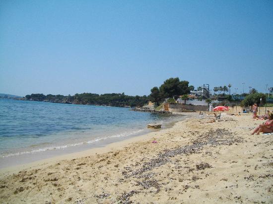 OLA Tomir: nearest beach