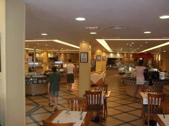 Suite Hotel Atlantis Fuerteventura Resort : Inside main restaurant