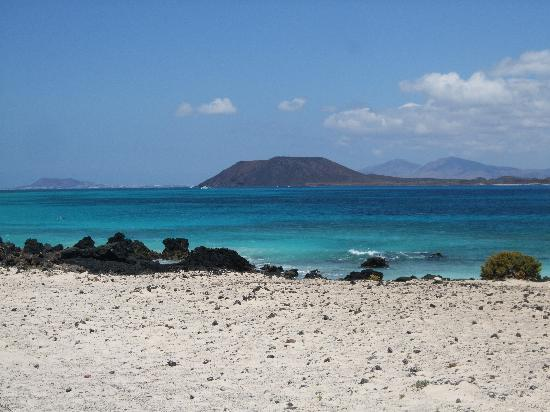 Suite Hotel Atlantis Fuerteventura Resort: View from beach close by