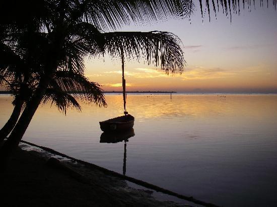 Boca Chica: sunset on the beach