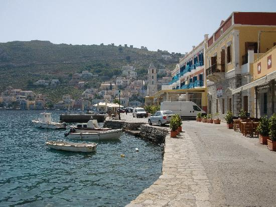 Aliki Hotel: View in front of the hotel