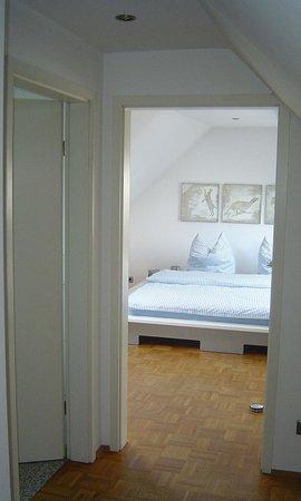 B & B Cologne Filzengraben - Guestroom 1