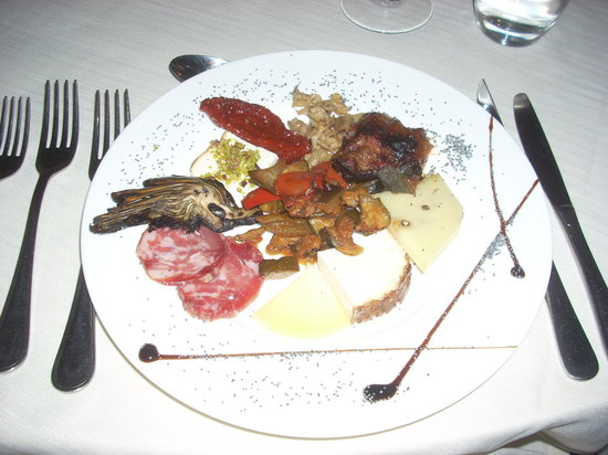 A Massaria: The antipasto at A Masseria - yum!