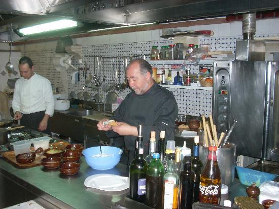 A Massaria: Making Cannoli at A Masseria