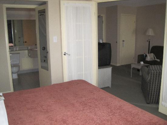 Quality Suites: Bedroom