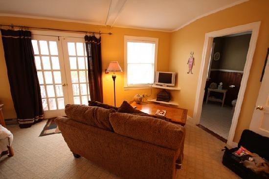 Lindenwood Inn: Our lovely room (2)