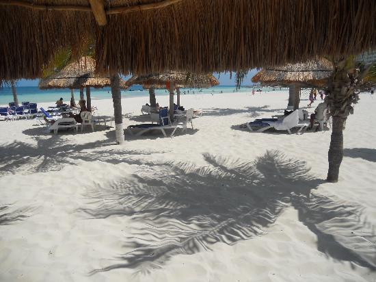 Presidente InterContinental Cancun Resort: beach