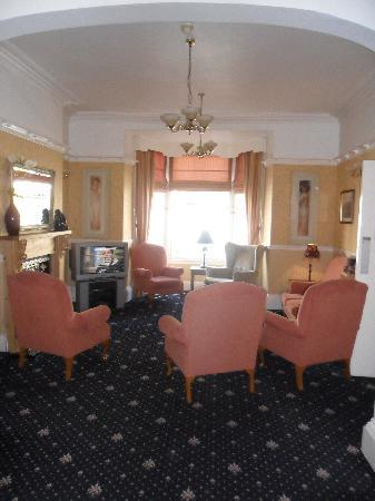 Seaclyffe Hotel: The lounge - clean and tidy