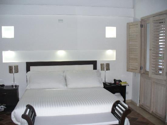 Casa Canabal Hotel Boutique : junior suite amplia y acogedora