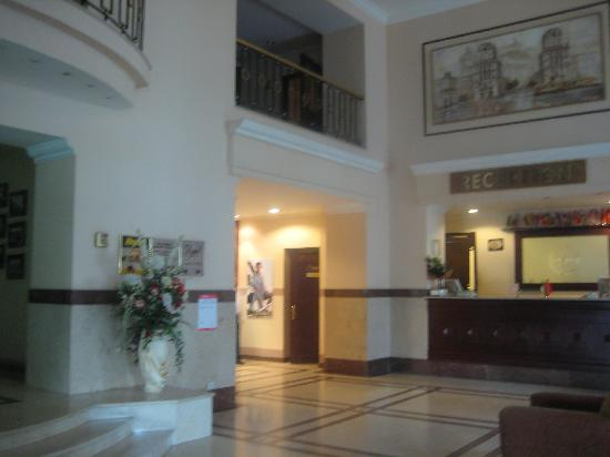 Minsk Hotel: Hotel Foyer & Reception area